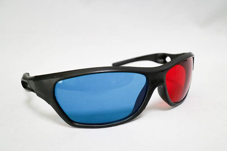 赤青メガネ